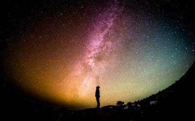 L'astronomie multimessagers
